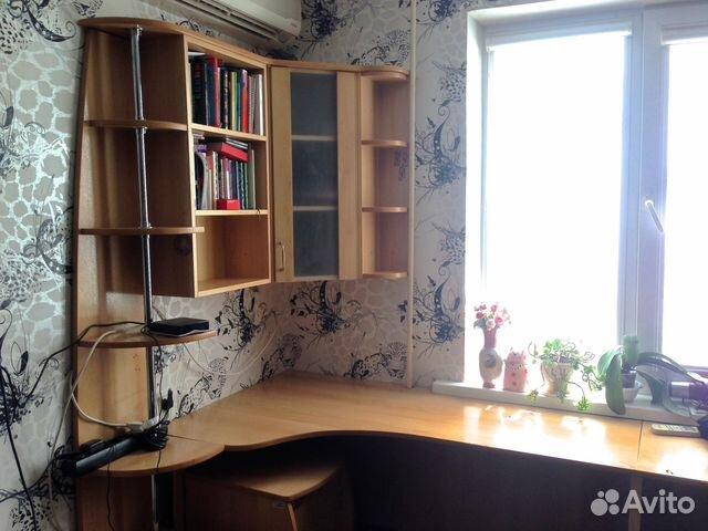 Встроеннaя мебель для подросткa у окнa фото. - модульные дет.