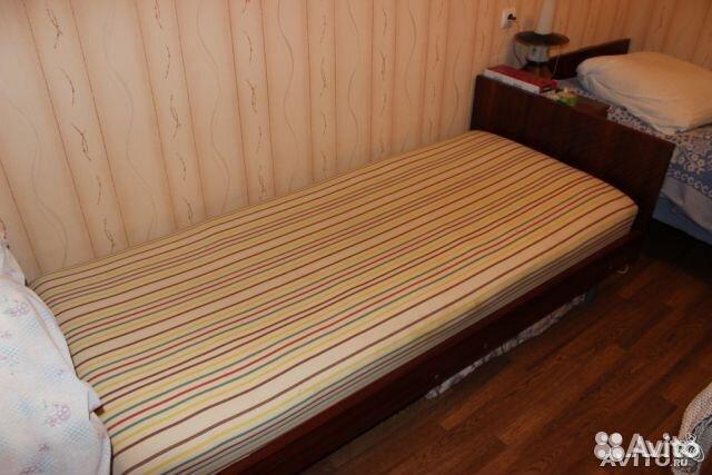 Старая кровать фото