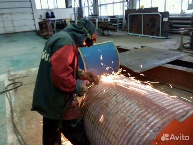Электросварщик монтажник ищет работу с проживанием в сфере установки или изготовлении металлоконструкций рассмотрю