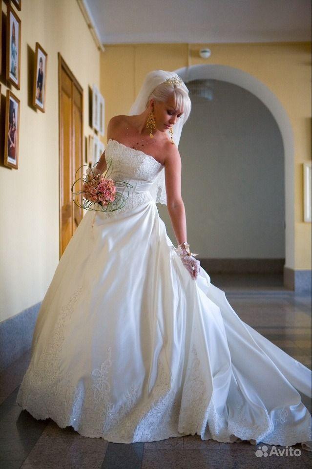 Эксклюзивное платье со шлейфом