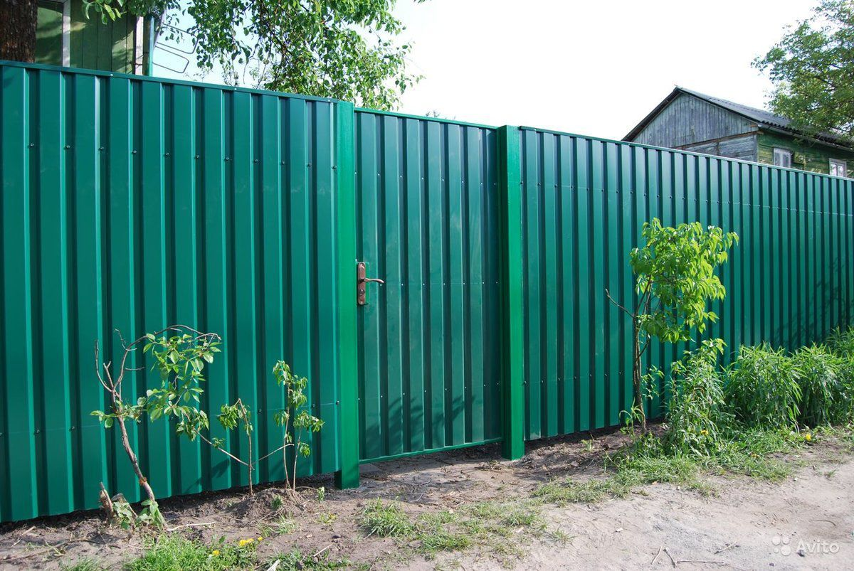 Забор из Профлиста, Евроштакетник под ключ купить на Вуёк.ру - фотография № 5
