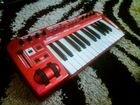 Миди-клавиатура Behringer UMX 250