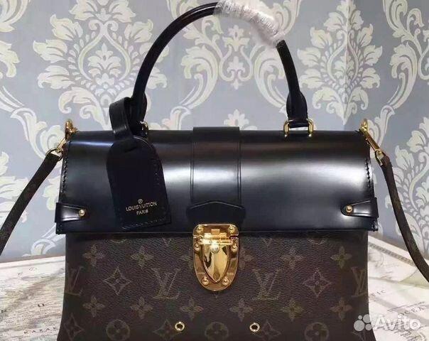 В Дубае уборщик нашел на улице сумку с золотом и