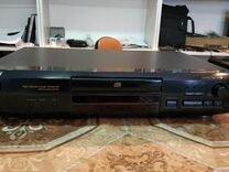 CD плеер Sony CDP-XE220